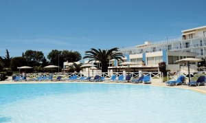 Grand Blue Hotel Eretria ★★★