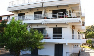 Salonikou Beach Deluxe Apartments